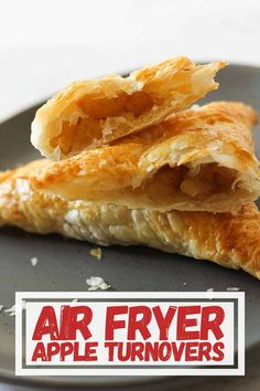 Looking for a delicious dessert to make in your air fryer? Try these apple turnovers! Air Fryer Recipes Dessert, Air Fryer Oven Recipes, Air Frier Recipes, Apple Dessert Recipes, Fall Desserts, Crescent Roll Apple Turnovers, Apple Turnovers With Puff Pastry, Fudge, Air Fryer Cooking Times