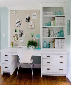 Message Board. Home Office with built-in desk and bularp message board. #MessageBoard #HomeOffice Kristina Crestin Design.