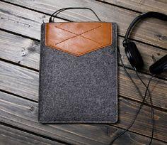 Handmade Brown Leather Felt Case for iPad, Mac Sleeve