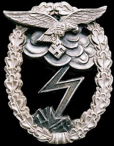 The Luftwaffe Ground Assault Badge was designed by Professor von Weech of… Luftwaffe, German Soldiers Ww2, German Army, German Uniforms, Military Uniforms, Military Awards, War Medals, Germany Ww2, Military Insignia