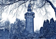 Loughborough carillon and war memorial inspired by the 'Willow Pattern' found in British pottery.