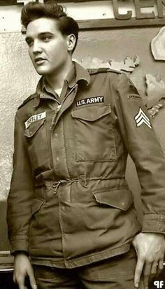Conrad is drafted into the army, like Elvis was. This is an image of Elvis in… Lisa Marie Presley, Elvis And Priscilla, Priscilla Presley, Mississippi, Rock And Roll, Rockabilly, Sean Leonard, Army Day, Young Elvis