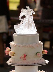 Cinderella + Prince Charming cake topper   Wedding Cake Wednesday ...