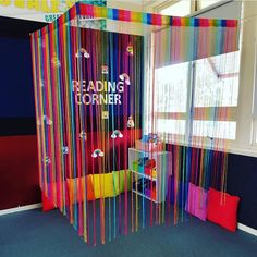 What a cute idea to cozy up a reading corner! I'm always looking for new inspiration to spice up my classroom reading corner! Reading Corner Classroom, Classroom Setting, Classroom Setup, Classroom Design, Classroom Displays, Art Classroom, Future Classroom, Kindergarten Reading Corner, Reading Corner Kids