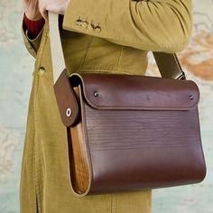 Suvikumpu satchel