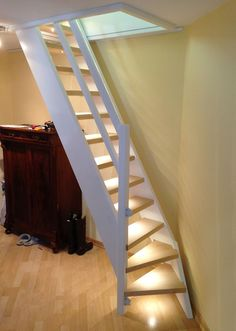 Loft ladder with small turn at the bottom to save space boys room Tiny House Stairs, Attic Stairs, Attic Ladder, Garage Stairs, Loft Ladders, Small Attics, Small Spaces, Space Saving Staircase, Attic Rooms