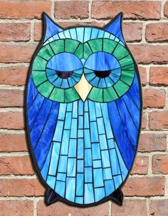 Student Work - Stained Glass Mosaic Owl created by Mandi in a Kasia Mosaics Owl Workshop - For a full list of classes and locations visit http://kasiamosaicsclasses.blogspot.com/