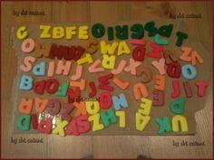 Letras em biscuit em fase final, meu primeiro trabalho com porcelana fria