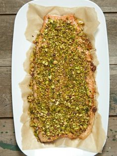Pistachio-Flaxseed Crusted Salmon A healthy and tasty dinner No Carb Recipes, New Recipes, Cooking Recipes, Healthy Recipes, Recipies, Flour Recipes, Healthy Foods, Salmon Recipes, Fish Recipes