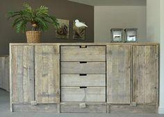 Dressior kast 210cm breed van gebruikt steigerhout (22131458) | Boekenkasten van steigerhout | JORG`S Houten Meubelen