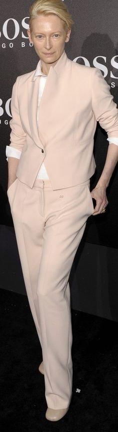 Tilda Swinton. Talent, grace, intellect, vision aand style! <3