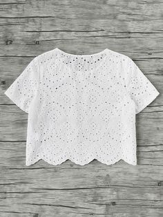 Top con bordado y ribete festoneado -Spanish SheIn(Sheinside) Crop Top Outfits, White Outfits, Cute Casual Outfits, Casual Dresses, Look Fashion, Girl Fashion, Fashion Outfits, Kids Blouse Designs, Mode Top