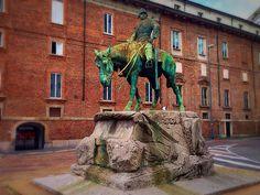 """Statua del colonnello Missori, il """"salvatore"""" di Garibaldi"""