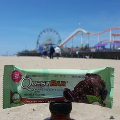 Mint Chocolate Chunk is the perfect on Saturdays. Who can guess what beach this is at? Quest Nutrition, Protein Bars, Mint Chocolate, Loose Weight, Yummy Food, Candy, Lifestyle, Healthy, Beach