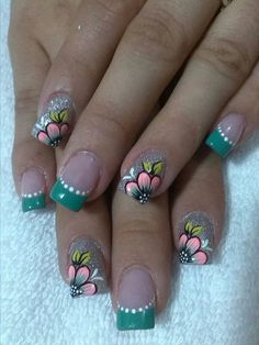 Ladies' nails have always been an important dimension of beauty and fashion. You can also have so many choice for your nail designs. Star nail art, Hello Kitty nail art, zebra nail art, feather nail designs are a few examples among the various themes. Spring Nail Art, Spring Nails, Fabulous Nails, Perfect Nails, French Nails, French Polish, Diy Nails, Manicure, Nail Nail