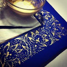 blue and gold from islamic motifs Islamic Motifs, Islamic Art Pattern, Persian Motifs, Pattern Art, Islamic Calligraphy, Calligraphy Art, Motif Oriental, Illumination Art, Iranian Art