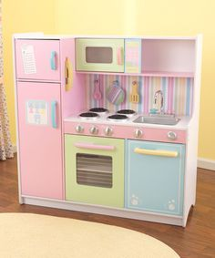 Young chefs serve the best dishes from this interactive play kitchen and utensils set. Featuring an easily cleaned removable sink, appliances with knobs that turn and click and doors that open and close, it invites multiple children to cook together in an exciting and educational environment.   CHOKING HAZARD: Small parts. Not for children under 3 years