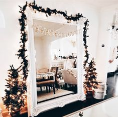 Cozy Christmas Bedroom Decor Ideas for the Holidays Christmas Time Is Here, Merry Little Christmas, Cozy Christmas, Christmas Gifts, Xmas, Outdoor Christmas, Country Christmas, Christmas Trees, Christmas Cookies