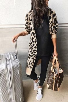Sugar Girl Leopard Print Long Cardigan Colors) - Cardigan Outfits for Work - Outfits Leggins, Sporty Outfits, Casual Winter Outfits, Mode Outfits, Fashion Outfits, Womens Fashion, Leopard Cardigan Outfit, Leopard Print Outfits, Cardigan Outfits