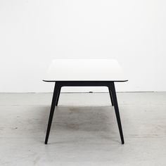 Gate Together, bord, table, white, Houe, design, danish design, 365 North, Henrik Pedersen
