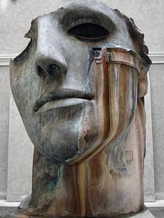Sculpture by Igor Mitoraj photo by Marco Marezza