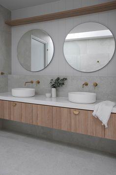 Round Mirror In Bathroom, Modern Bathroom Vanities, Bathroom Double Vanity, Bathroom Mirror Design, Bathroom Mirror Cabinet, Ensuite Bathrooms, Classic Bathroom, Modern Bathroom Decor, Laundry In Bathroom