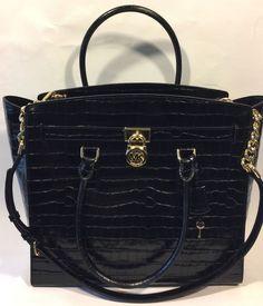 Items for sale by ivans_shop_source Michael Kors Backpack, Handbags Michael Kors, Designer Purses And Handbags, Purses And Bags, Womens Purses, Hermes Kelly, Crocs, Satchel