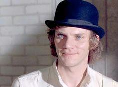 cotibluemos: Malcolm McDowell, cumple 72 años
