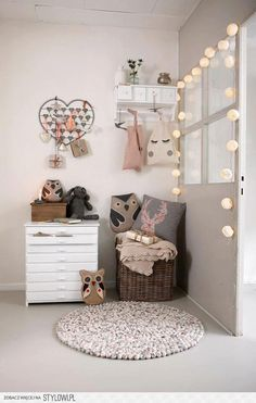 Cute owl nursery decor.  Pinned by BabyBump, the app for pregnancy - babybumpapp.com