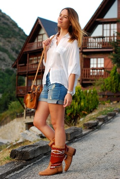 #fashion #fashionista bianco jeans macarena gea * hadas y algo más...: A.C.D: kilim boots