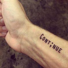 Detrás de cada tatuaje siempre hay una historia. Algunos esconden grandes amores, otros sellan fuertes amistades. Símbolos con significados personales para cada uno que en la mayor parte de los casos nos acompañarán para siempre. Por supuesto, la moda también influye en las preferencias y donde antes