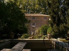 A Good Year Movie, Dining in Provence via betweennapsonthe porch.net