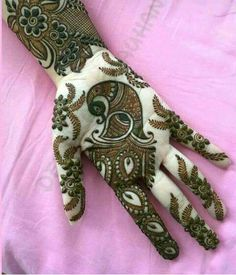 Apply these best Party Mehndi design that helps in bringing out your beauty. Here are Some Trendy and stylish Party Mehndi Designs. Peacock Mehndi Designs, Indian Mehndi Designs, Stylish Mehndi Designs, Wedding Mehndi Designs, Mehndi Design Pictures, Latest Mehndi Designs, Beautiful Henna Designs, Mehndi Designs For Hands, Henna Tattoo Designs