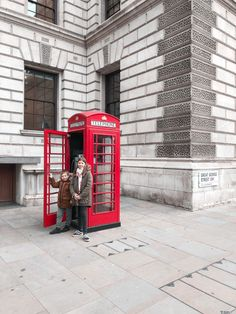{Travel} 3 jours à Londres! Piccadilly Circus, London Eye, Covent Garden, Ours Paddington, Big Ben, Landline Phone, Playground, The Neighborhood