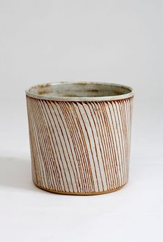 Gertrud Vasegaard (1913-2007). Cylinder Pot. 1999. Wheel-thrown, scratched pattern, glazed stoneware.