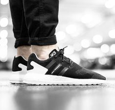 adidas Y3 Pure Boost. Hier entdecken und shoppen: http://sturbock.me/ZLf
