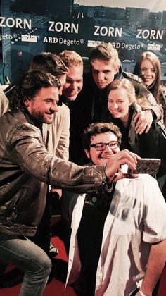 SELFIE! German actor Stephan Luca at the premiere of the movie ZORN. He is wearing BALDESSARINI.