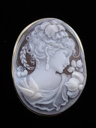 cameos are so elegant.  I once gave one to my dearest mom...