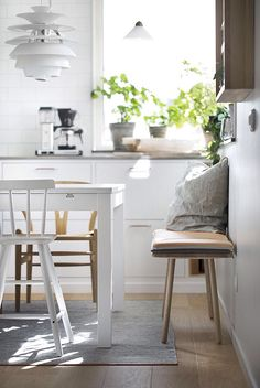 7 bohemian interior design ideas that you are going to love! These design ideas are going to elevate your decor and are the perfect inspiration for your Fall ho Decor, Scandinavian Kitchen, Interior, Charming Kitchen, Kitchen Interior Design Modern, Kitchen Room, Kitchen Decor, Kitchen Dining Room, Scandinavian Interior Kitchen