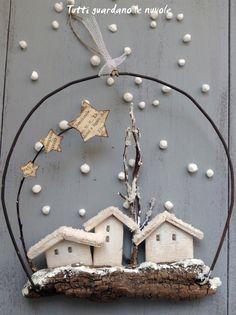 Tutti guardano le nuvole: Small decorations with bark and wire