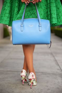 Annabelle Fleur from Vivaluxury wearing an Alice & Olivia skirt and Kate Spade bag from Nordstrom Rack Sac Kate Spade, Look Retro, Look Vintage, Viva Luxury, Kate Spade Handbags, Alice Olivia, Me Too Shoes, Purses And Bags, Bags