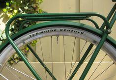 Transportin de biciclasica #Retrovelo Paul    #avantumbikes Retro, Bicycle, Vehicles, Grilling, Walks, Bike, Bicycle Kick, Bicycles, Car