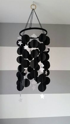 Paper mobile minimalist monochrome black with white clouds and stars. Diy Crafts Hacks, Diy Home Crafts, Fun Crafts, Paper Crafts, 3d Paper, Summer Crafts For Toddlers, Diy For Kids, Paper Mobile, 3d Modelle