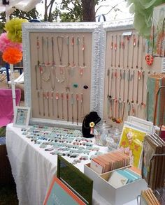 Jointed frames hinged together, with corkboard inserts and pins for the necklaces. Perfect Origami Owl display for large event Craft Fair Displays, Market Displays, Store Displays, Display Ideas, Booth Ideas, Stall Display, Craft Booths, Display Boards, Booth Displays