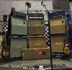 Guitar Chords And Scales, Guitar Rig, Guitar Pedals, Cool Guitar, Fender Telecaster, Fender Guitars, Marshall Amplification, Dinosaur Jr, Valve Amplifier