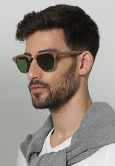 Un modèle de Ray-ban basic mais tendance  lunettes  sunglasses  homme  men   fashion  fashionformen f446e6f11948