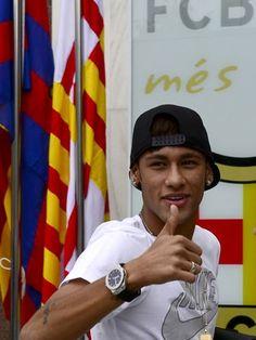 Neymar já está no Barcelona; siga Time faz hoje (03/06/20136) apresentação oficial do jogador, que antes passou por exames.