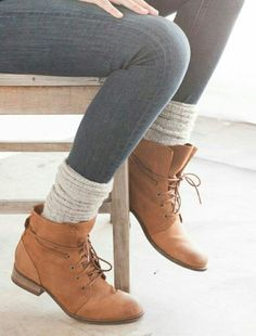 LoLoBu - Women look, Fashion and Style Ideas and Inspiration, Dress and Skirt Look. I want these adorable flat boys Sock Shoes, Cute Shoes, Me Too Shoes, Over Boots, Look Fashion, Womens Fashion, Fashion Boots, Fashion Trends, Mode Inspiration