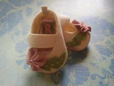 baby shoes.  link to tutorial