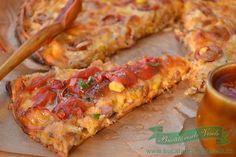 """Pizza fara blat este un fel de """"Pizza"""" foarte usor de preparat si se pot folosi ingredientele ce le ai la indemana. Incercati si voi aceasta reteta ce poate fi un mic dejun copios sau chiar si un fel principal. In sectiunea de Aperitive veti gasi si alte retete cu gustari calde sau rec"""